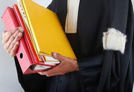 Le procès en contrefaçon n'arrive qu'après la mise en demeure puis l'assignation.